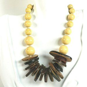 Vtg Faux Wood Beaded Necklace Tans Browns Chunky